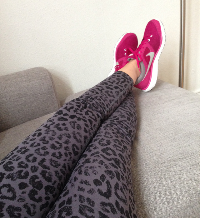 nike leopard tights 3